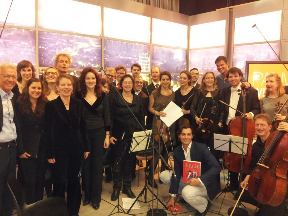PA'dam met Maria van Nieukerken, Paul Witteman, Jeroen Pauw, Thierry Baudet, Arie Boomsma en de musici van Stichting Muziek buiten de Concertzaal