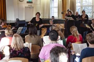 Maria in actie tijdens de Workshop met Aria's uit Bachs Matthaus Passion- Amsterdam, 2014 Foto: Willem de Roode